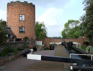 Gailey Lock – © Copyright Roger Kidd  and licensed for reuse under this Creative Commons Licence